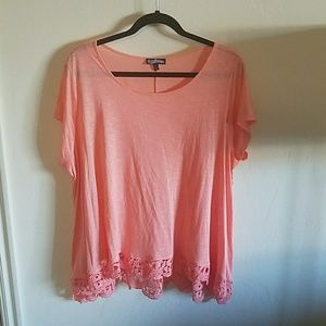 Freshman Tops - EUC coral top with lace L