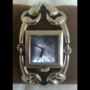 86568a2f751 Gucci Accessories - Gucci Signoria 116.3 Series Watch