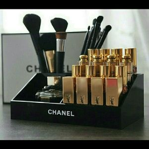 CHANEL Other - Chanel brush and lipstick holder