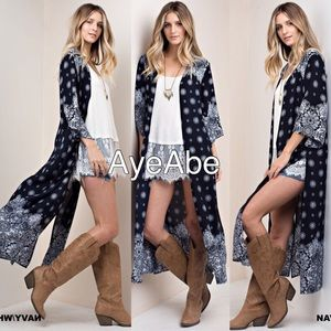 Sweaters - Duster print cardigan open front paisley boho slit