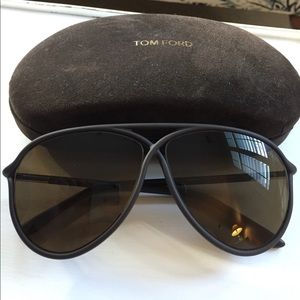 Tom Ford Accessories - Tom ford sunglasses BARELY worn