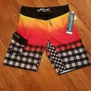 NWT. BILLABONG PLATINUM-X Men Shorts