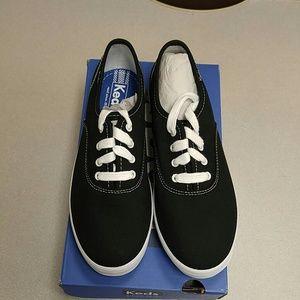Keds Other - Keds Girls Champion Black/White CVS Sneaker