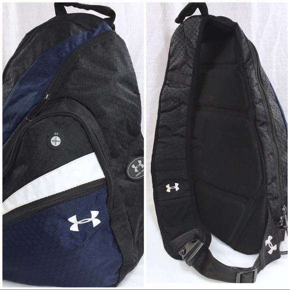 93f49b6f7a9 UNDER ARMOUR Sling Backpack Navy Black. M 5942a2f6eaf0303f210313a2