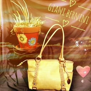 Giani Bernini Handbags - ❤️ Giani Balenini❤️