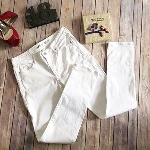 Calvin Klein Jeans Denim - Calvin Klein Ultimate White Skinny Jean in EUC