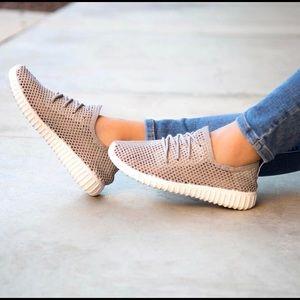 Shoes - Hot selling running  mesh sneaker