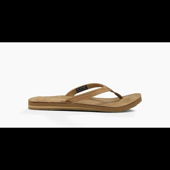 ugg kayla flip flops chestnut
