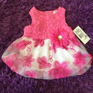 Baby Essentials Other - Baby Essentials Pink and White Flower Dress
