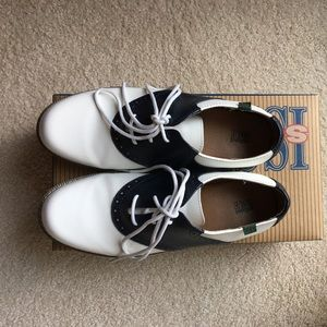 School Issue Shoes - New School Issue women's Varsity whit/nvy oxfords