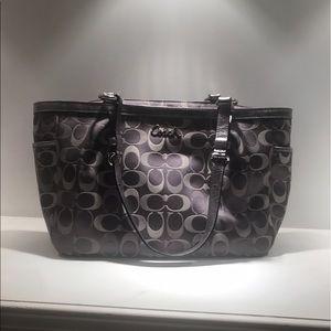 Coach Handbags - Silver Coach handbag like new ❤️🔥💯