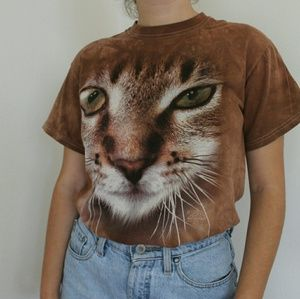 Vintage Tops - The Mountain cat t-shirt