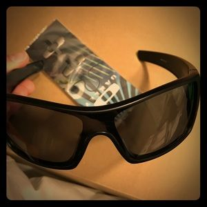 Oakley Other - Oakley batwolf, polorized, brand new out of box📦
