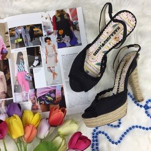 Harajuku Lovers Shoes - Harajuku Lovers Black Canvas Peep Toe Heels