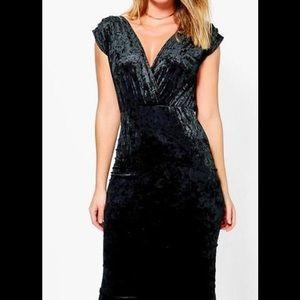 Dresses & Skirts - Velvet Midi Dress