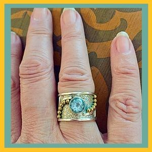 India Artisans Jewelry - 30% OFF BUNDLES💐 .925 SS & Blue Topaz Ring💐