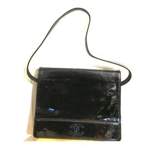 CHANEL Handbags - Vintage Black Chanel Flap Bag with leather lining