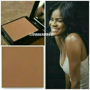 Mary Kay Other - Bronze 2 - Sheer Mineral Pressed Powder
