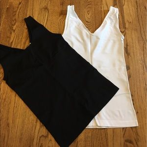 Yummie by Heather Thomson Other - Yummie lot of 2 seamless shaping tanks BLACK/WHITE