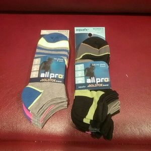 Gold Toe Accessories - NWT 6 Pair of Women's Socks Final Price