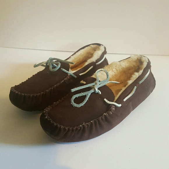 UGG DAKOTA BROWN BLUE SIZE 8 SHOES
