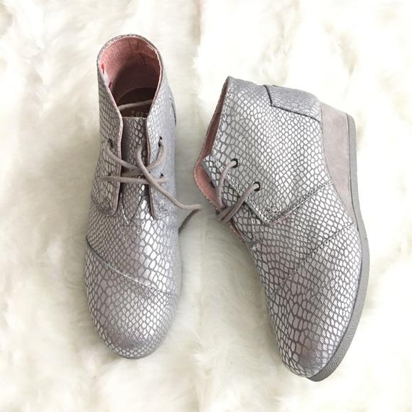 b71b219f58f Toms Silver Metallic Animal Print Ankle Boots 6Y