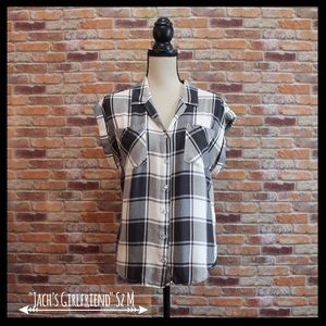 Jachs Tops - Jachs Girlfriend Plaid Button-down Shirt