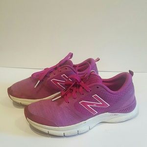 NEW BALANCE WOMENS SNEAKERS SIZE 6.5