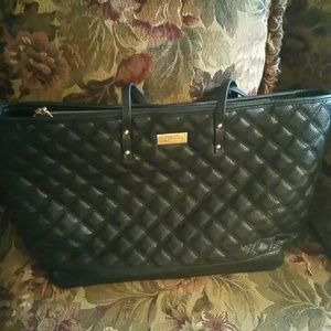 BCBG OVER SIZED TOTE