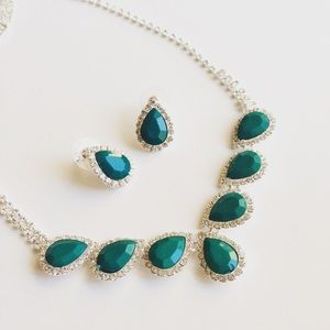 Jewelry - Teal and Silver Droplet Necklace Set