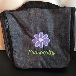thirty one Handbags - Thirty One Toiletry Bag