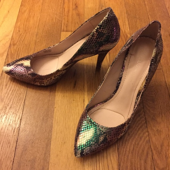 54 Off Bcbg Shoes Bcbg Snakeskin Hologram Pumps Size 6