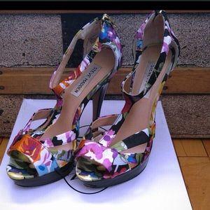Steve Madden Shoes - Steve Madden Haylow floral heels