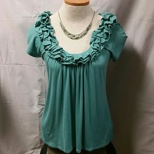 filtre Tops - Ruffled neck soft stretchy top. Size small