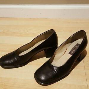 Etienne Aigner vintage signature leather heels