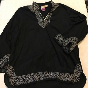 Antthony Tops - Original Antthony embroidered tunic