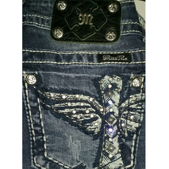 Jean Rise (T Back jeans, Split Leg jeans, Skinny Jeans, etc) inches: Hi Waisted Jeans Rise - 11 inches.