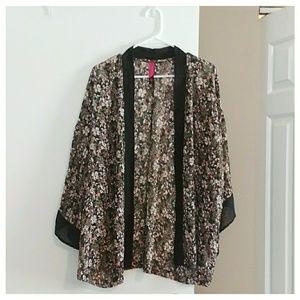Pure Energy Tops - Gently worn! Floral kimono