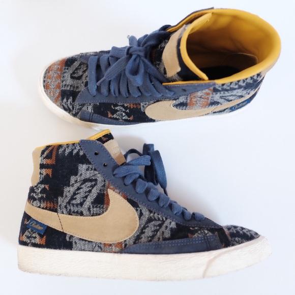 pretty nice e7166 52ccd Nike ID x Pendleton Blazer Sneaker Shoes. M 59434d41f09282a5430175e2