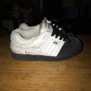 Globe Shoes - Globe skate shoes