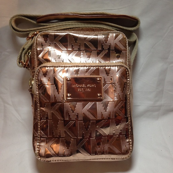 46010fa1e965 Michael Kors Rose Gold Mirror Metallic Crossbody. M_5944535f5a49d0bbb6041f7e