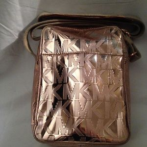 cbc0d59e0cc4 Michael Kors Bags - Michael Kors Rose Gold Mirror Metallic Crossbody