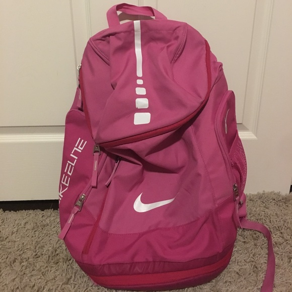 754f158099 Pink Nike Elite Backpack. M 59436b05f739bcaf5a01c9c1