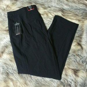 Avenue Pants - NWT $55 Avenue Black Slim Leg Trouser Sz 16