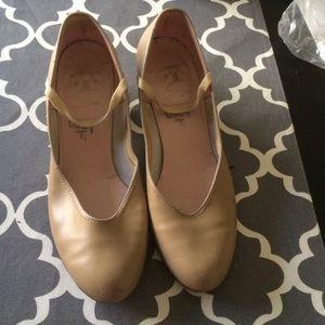 Capezio Shoes - Tan Capezio dancing shoes