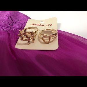 Jewelry - 🐱4 pice midi gold tone ring set