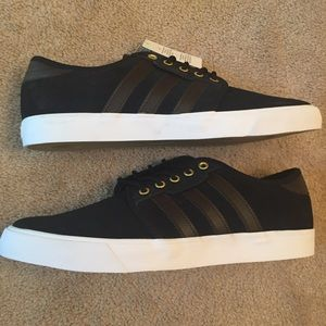 adidas Other - NIB Adidas Seeley Sneaker - Offers Welcomed