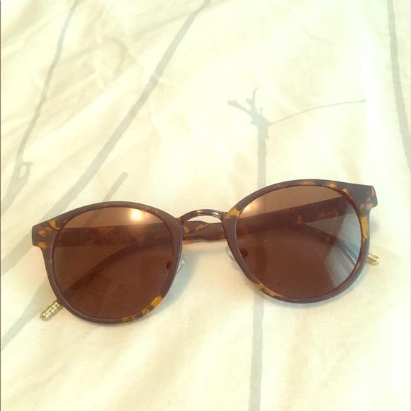 5004f3ecd03 Lucky Brand Accessories - Lucky Brand Melrose sunglasses 😎