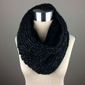 Juicy Couture black knit/furry neck wrap scarf