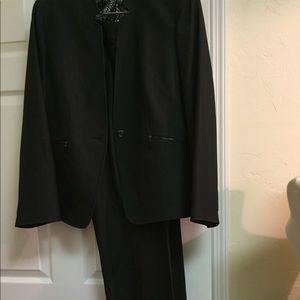 Other - Tahari 2pc suit by Arthur Levine . Size 14